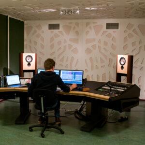 LS1 in music production studio HKU University of the Arts Hilversum